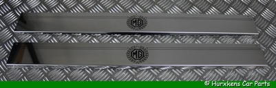 CHROME DORPEL PLATEN SET MET MG LOGO PER SET