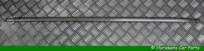 RAAMRUBBER MET CHROME STRIP LINKER ACHTERDEUR - GEBRUIKT  PER STUK