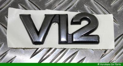 V12 EMBLEEM KOFFERBAKKLEP PER STUK