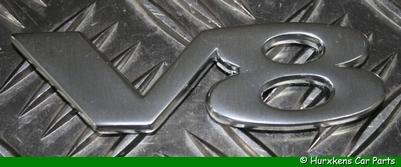 """""""V8"""" EMBLEEM ZILVER PER STUK"""