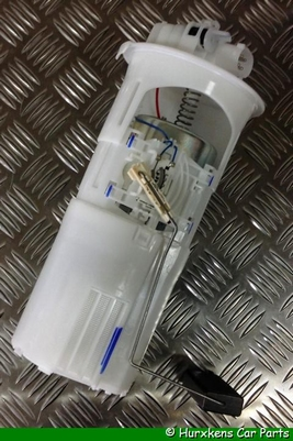 BRANDSTOFPOMP MET FILTER IN TANK